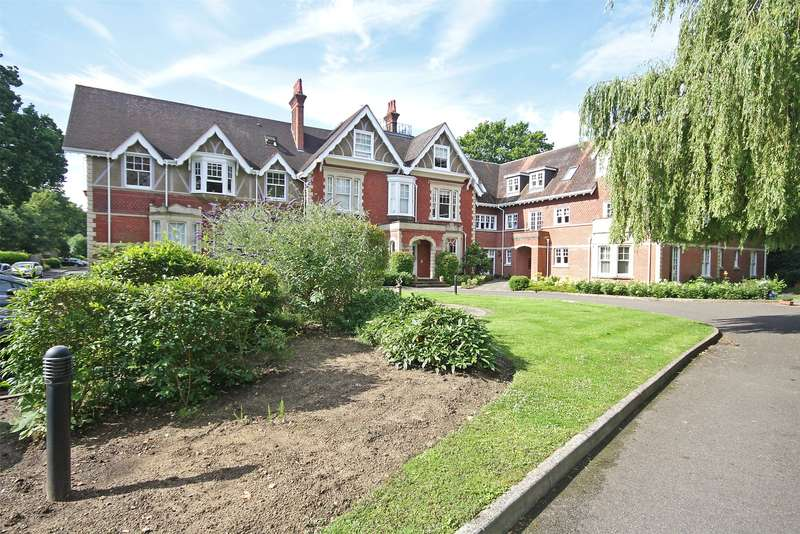 1 Bedroom Apartment Flat for sale in Cooper Lodge, 61 Massetts Road, RH6