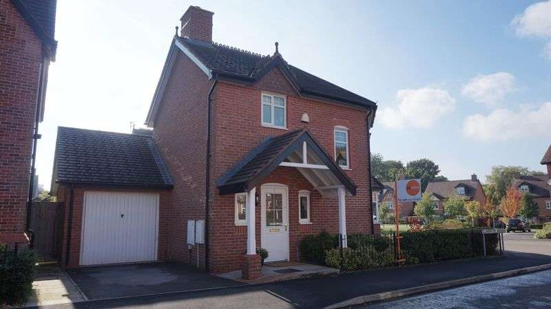 3 Bedrooms Semi Detached House for sale in Clanbrook Avenue, Lymm