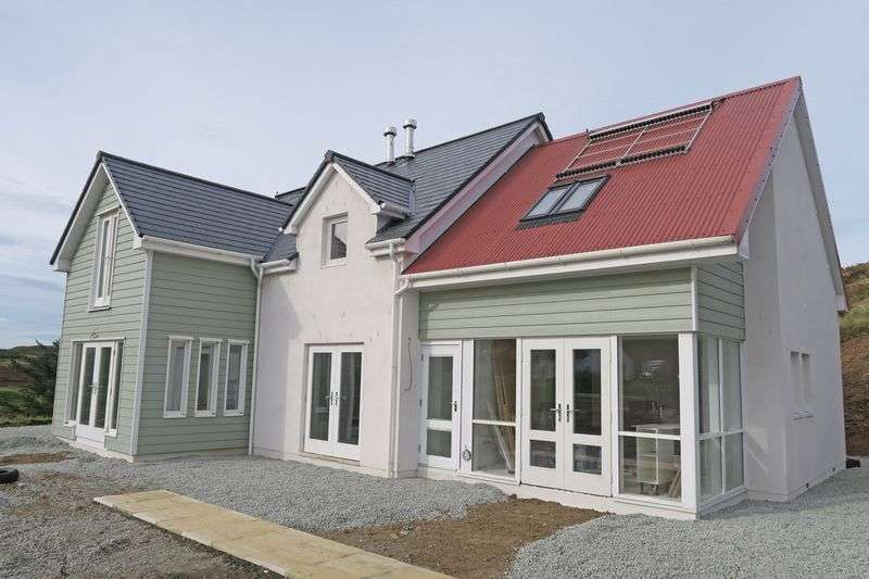 5 Bedrooms Detached House for sale in Fiskavaig, Carbost, IV47 8SN