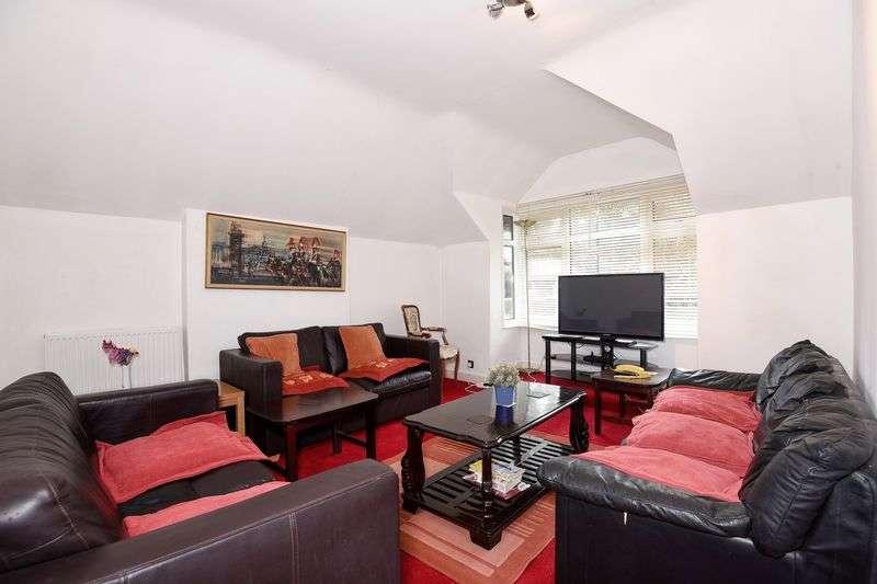 3 Bedrooms Flat for sale in Northwood HA6