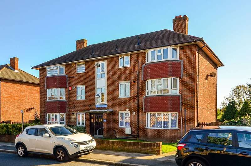 1 Bedroom Flat for sale in Churchfields Road, Beckenham, BR3