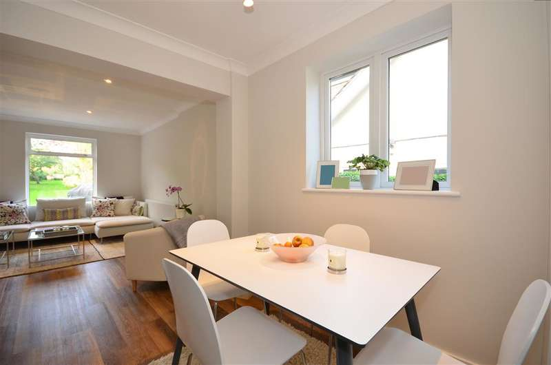 3 Bedrooms Bungalow for sale in The Street, Fetcham, Surrey