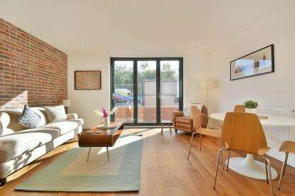 2 Bedrooms Flat for sale in The Whitby Apartments, Robson Avenue, Willesden Green, London