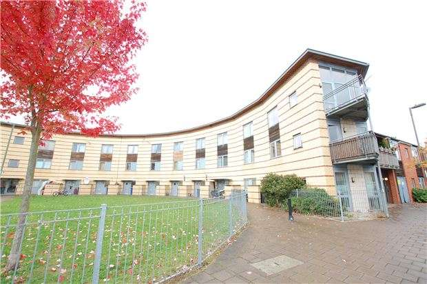 1 Bedroom Flat for sale in Warmwell Avenue, LONDON, NW9 5DB