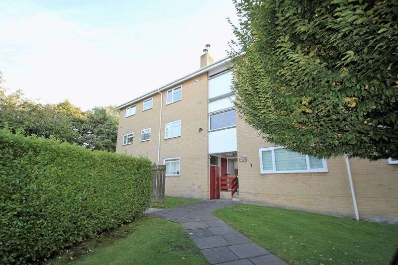 2 Bedrooms Flat for sale in Tangmere place, Canford Heath, Poole