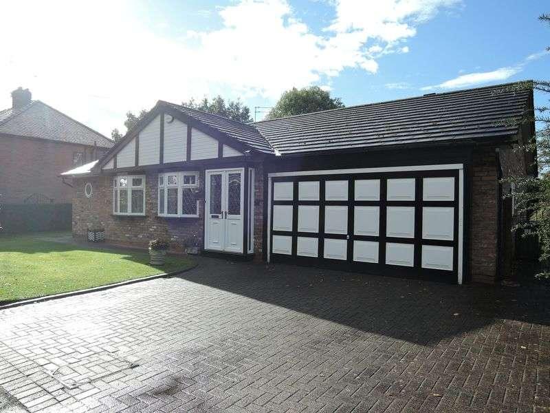3 Bedrooms Detached Bungalow for sale in Motcombe Road, Heald Green