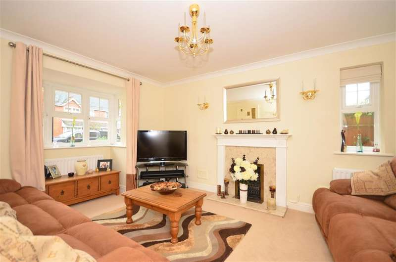 4 Bedrooms Detached House for sale in Blakes Farm Road, Southwater, Horsham, West Sussex