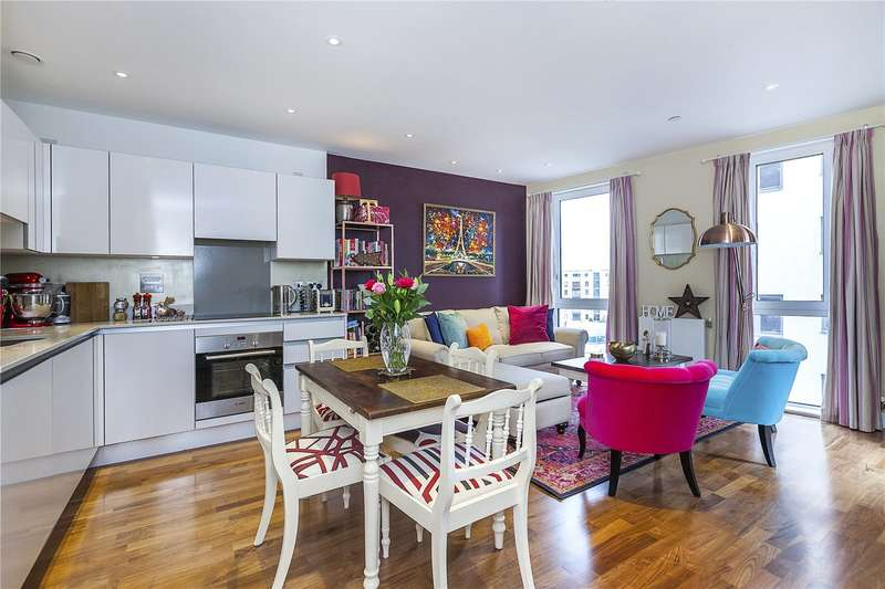 2 Bedrooms Flat for sale in Bellville House, 4 John Donne Way, London, SE10