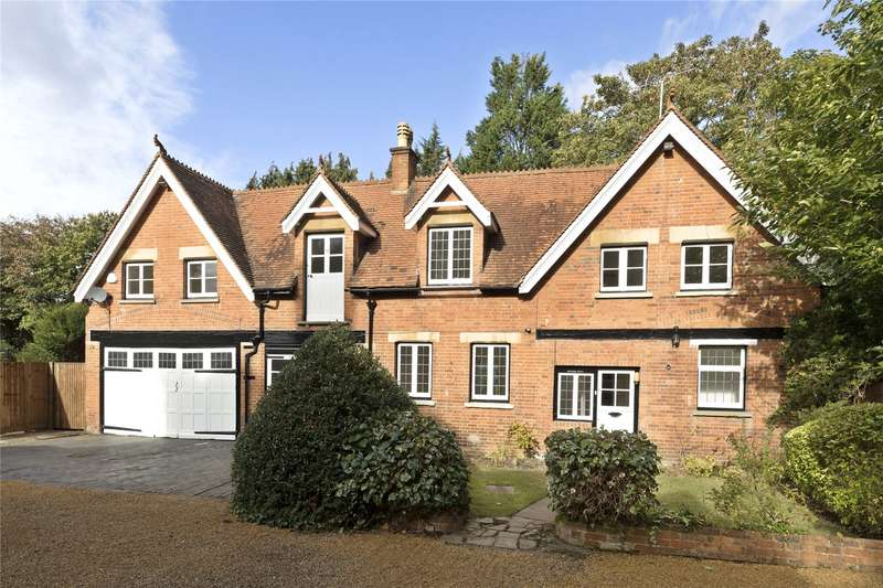 4 Bedrooms Detached House for sale in St. Georges Avenue, Weybridge, Surrey, KT13