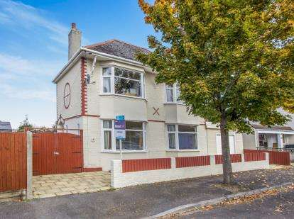 4 Bedrooms Detached House for sale in Southbourne, Bournemouth, Dorset
