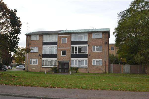 1 Bedroom Apartment Flat for sale in Dove Court, Hadrian Way, Stanwell