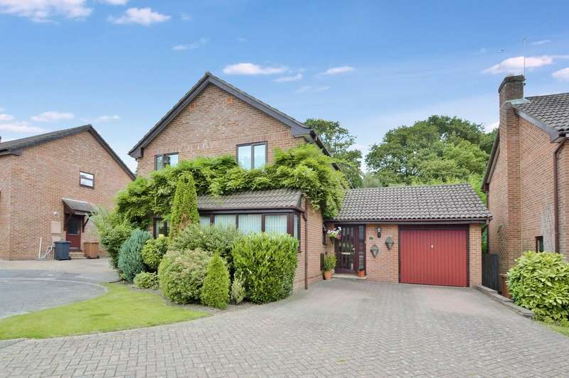 4 Bedrooms Detached House for sale in Valley Park, Chandler's Ford