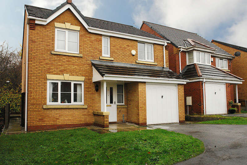 4 Bedrooms Detached House for sale in 15 Penwell Fold, Oldham