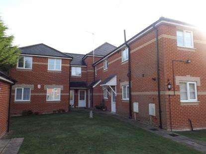 2 Bedrooms Maisonette Flat for sale in D'Arcy Road, Colchester, Essex