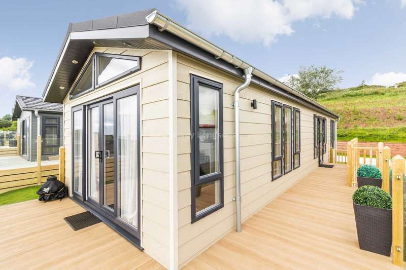 2 Bedrooms Lodge Character Property for sale in Shaldon, Devon