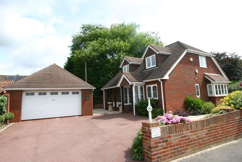 3 Bedrooms House for sale in Sherwood Gardens, Sarisbury Green, Southampton, SO31 7SZ