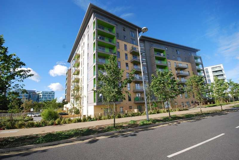 2 Bedrooms Flat for sale in LAKESIDE DRIVE, PARK ROYAL, LONDON, NW10 7FS