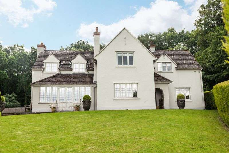 4 Bedrooms Detached House for sale in Govilon, Monmouthshire