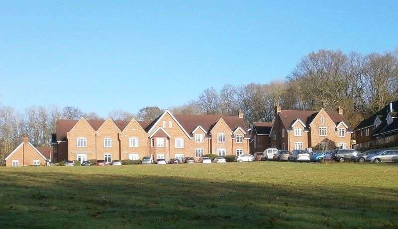 2 Bedrooms Retirement Property for sale in Sherfield English, Romsey, Dunwood Court