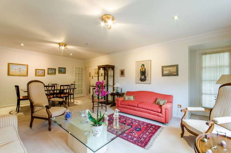 2 Bedrooms Flat for sale in Oakleigh Park North, Whetstone, N20