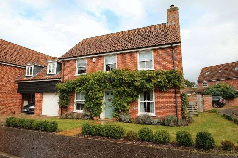 4 Bedrooms Detached House for sale in Bromedale Avenue, Norwich