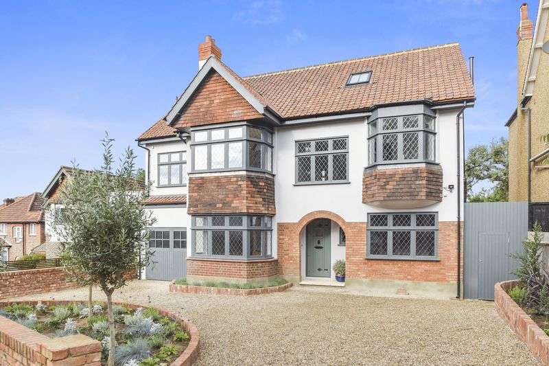 5 Bedrooms Detached House for sale in Ryecroft Road, Streatham, London SW16
