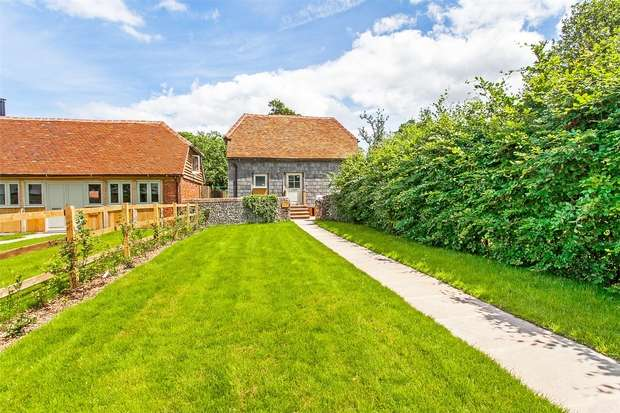 1 Bedroom Mews House for sale in Twyford, Winchester, Hampshire