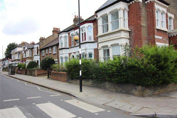 5 Bedrooms Terraced House for sale in Portway, Stratford