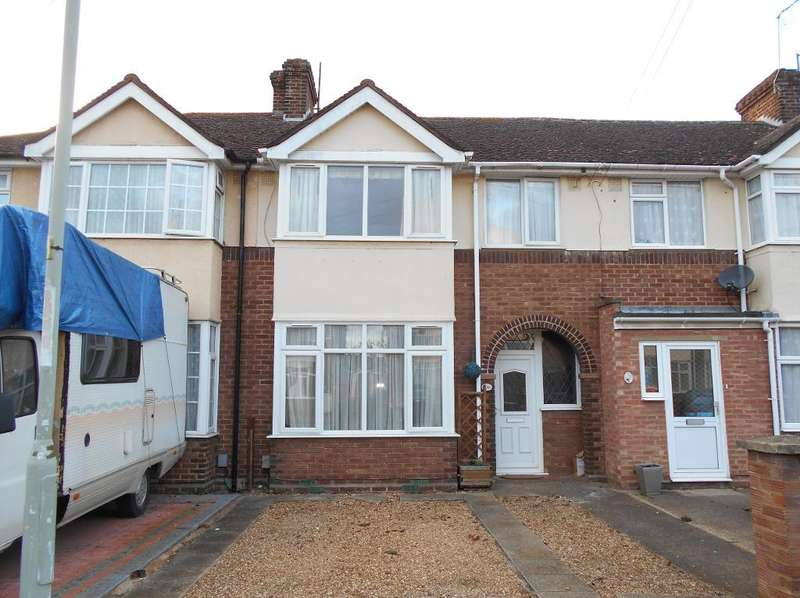 3 Bedrooms Terraced House for sale in Worcester Road, Bedford, MK42 0RY