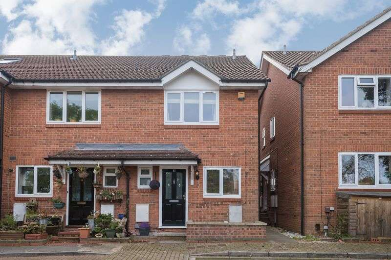 3 Bedrooms Terraced House for sale in Bayshill Rise, Northolt