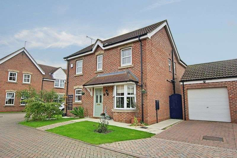 4 Bedrooms Detached House for sale in Appletree Close, Long Riston