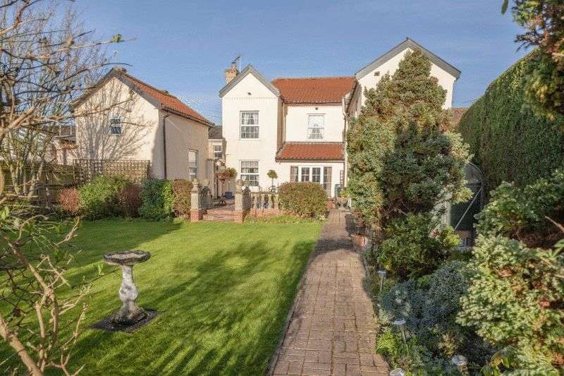 5 Bedrooms Detached House for sale in Scole, Diss