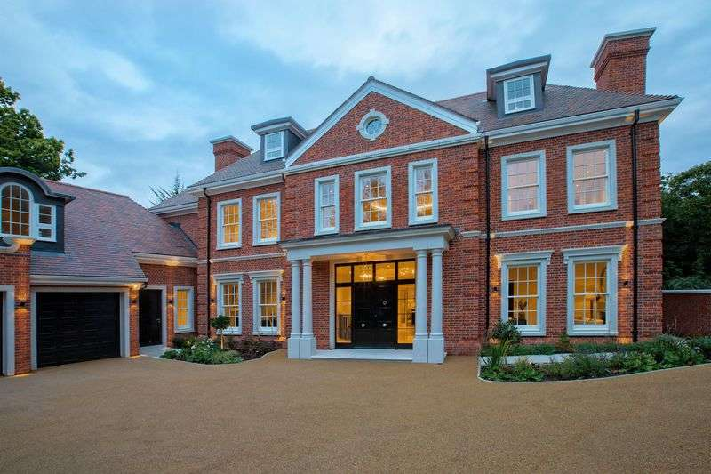 7 Bedrooms Detached House for sale in Coombe Hill Estate, London