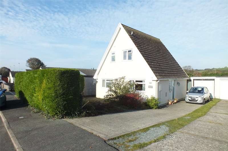 3 Bedrooms Link Detached House for sale in Holyland Drive, Pembroke, Pembrokeshire