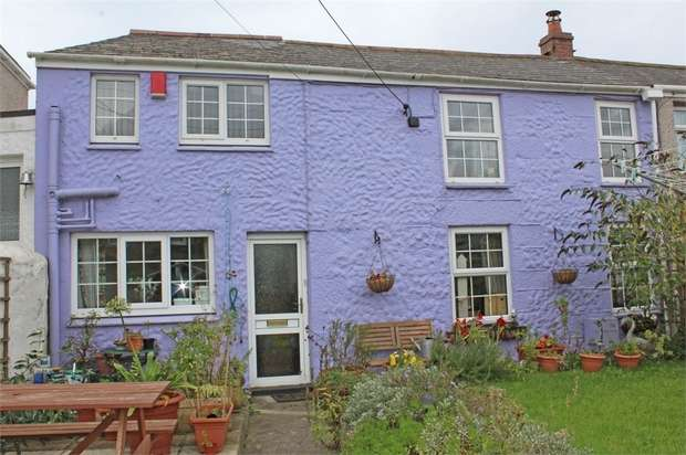 2 Bedrooms Terraced House for sale in Treloweth Terrace, Park Bottom, Redruth, Cornwall