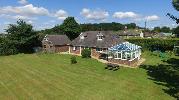 4 Bedrooms Detached House for sale in Stuckton