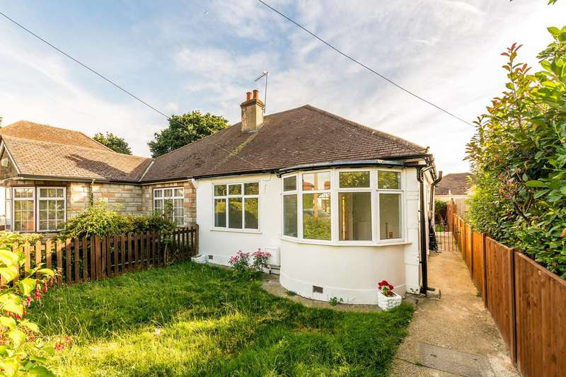 3 Bedrooms Bungalow for rent in Bywood Avenue, Shirley, CR0