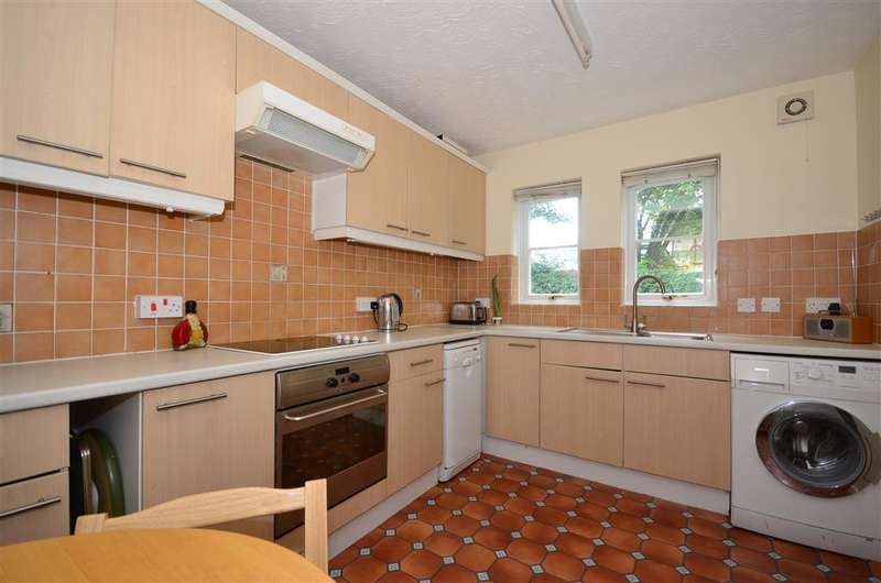 3 Bedrooms Terraced House for sale in Station Road, Kenley, Surrey