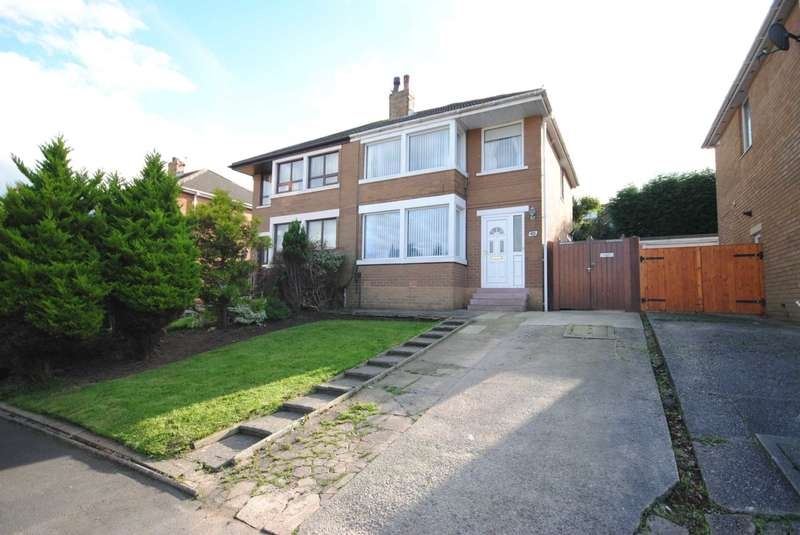 3 Bedrooms Semi Detached House for sale in Hillside Avenue, Kirkham