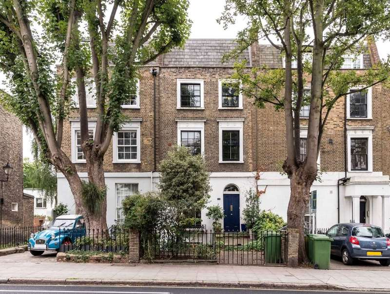 2 Bedrooms Maisonette Flat for sale in Leighton Road, London, NW5