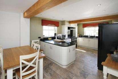 4 Bedrooms Bungalow for sale in Birkin Lane, Temple Normanton, Chesterfield, Derbyshire