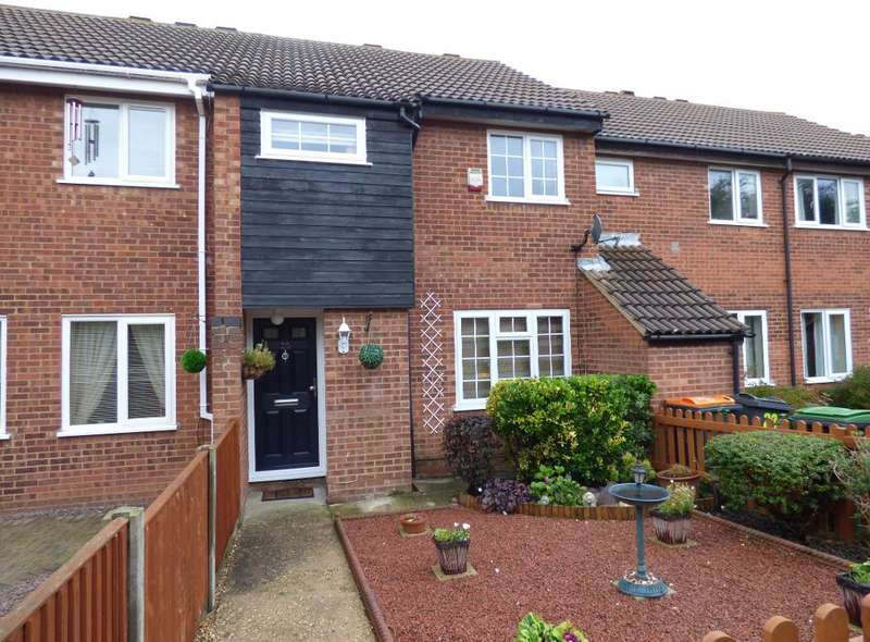 3 Bedrooms Terraced House for sale in Hamble Road, Brickhill, Bedford, MK41 7XB