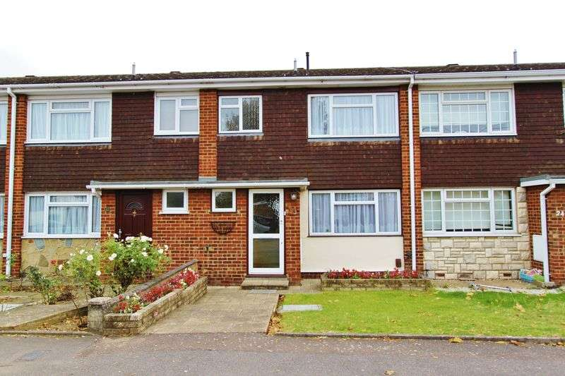 3 Bedrooms Terraced House for sale in Crownmead Way, Romford, RM7