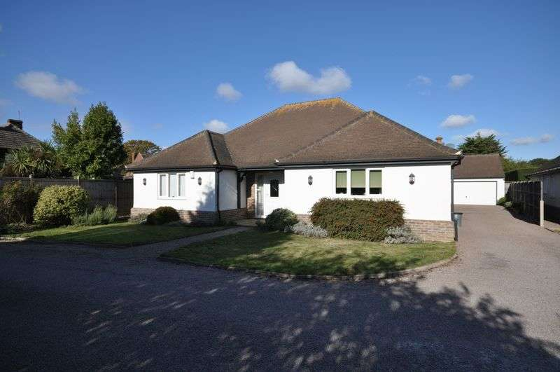 3 Bedrooms Detached Bungalow for sale in Farthings Chase, West Mersea