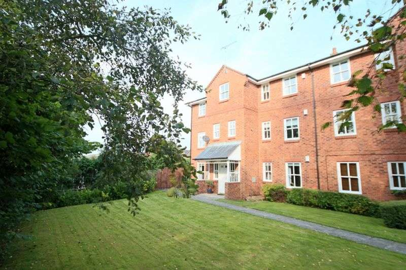 2 Bedrooms Flat for sale in Trent Close, Stone