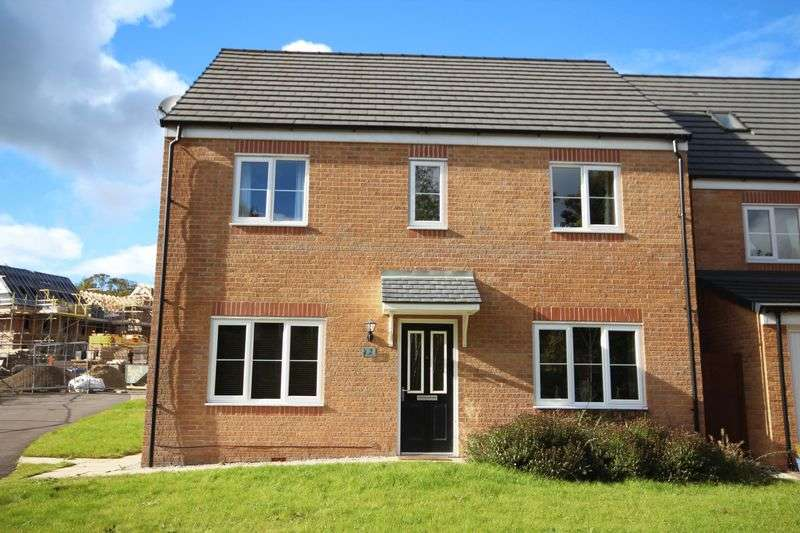 4 Bedrooms Detached House for sale in SPINNERS DRIVE, Whitworth OL12 8ES