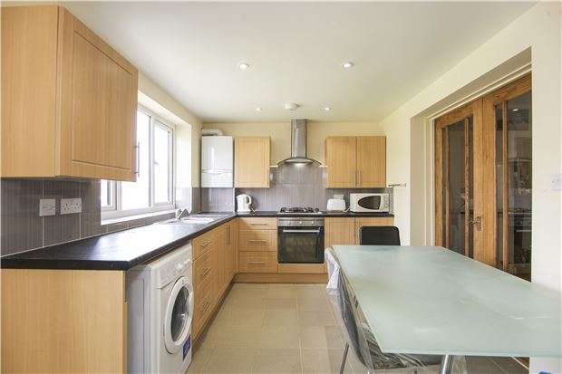 3 Bedrooms Semi Detached House for sale in Warren Road, LONDON, NW2 7NJ