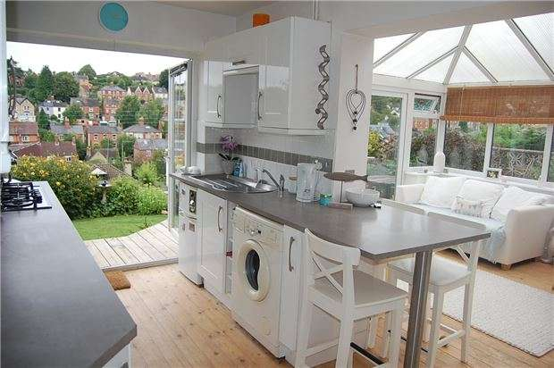 3 Bedrooms Semi Detached House for sale in Belle Vue Road, Stroud, Gloucestershire, GL5 1PY