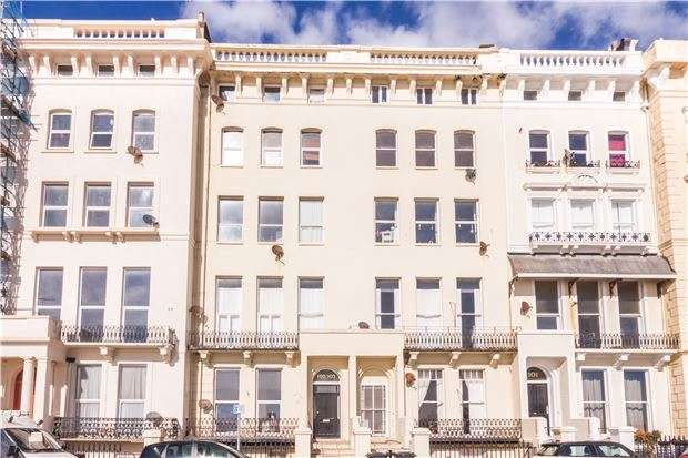 4 Bedrooms Flat for sale in Flat, Marina, ST LEONARDS-ON-SEA, East Sussex, TN38 0BP