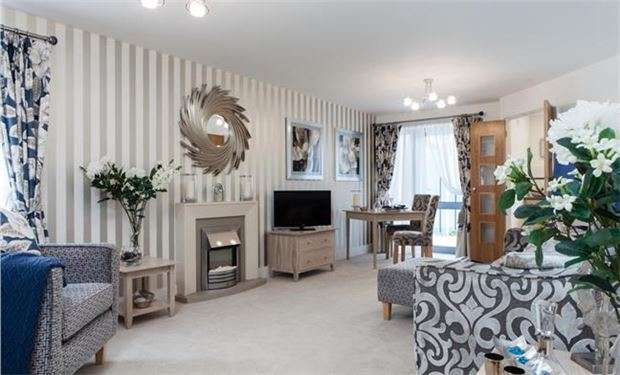 1 Bedroom Flat for sale in Kingston Road, London, SW20 8DA